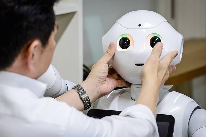 Treinamento – Workshop ensina a trabalhar com o robô Pepper, máquina de IA da japonesa SoftBank lançada em 2014