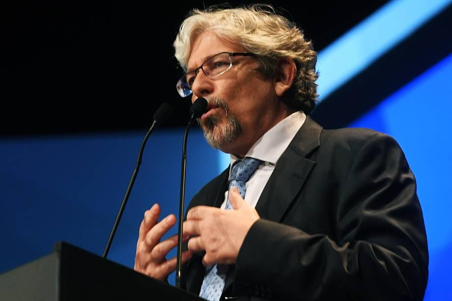 O diretor de redação de VEJA, Andre Petry, apresenta o Prêmio Veja-se