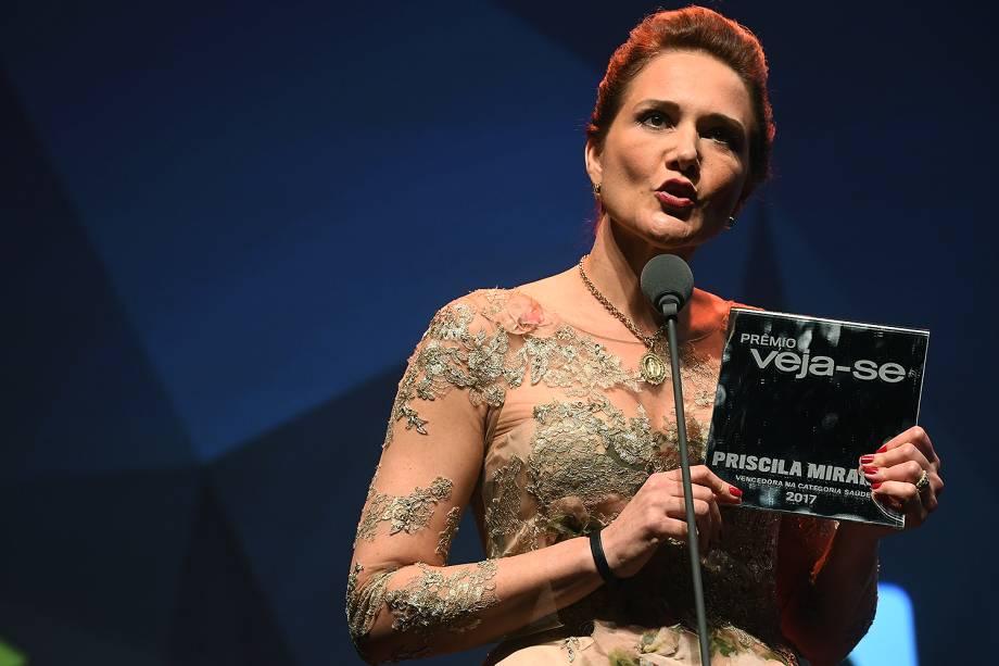 A oncologista Priscila Miranda recebe o prêmio Veja-se na categoria 'Saúde'.Ela fundou uma associação que acolhe pacientes carentes em Montes Claros (MG).