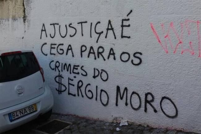 Protesto contra o juiz Sergio Moro na Universidade de Coimbra