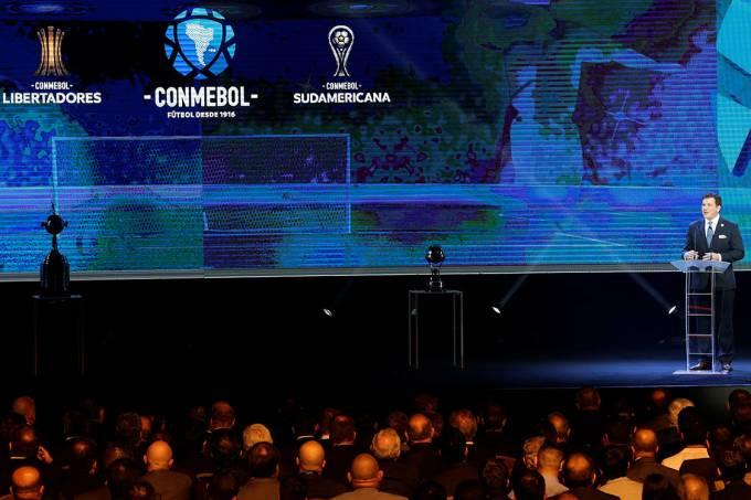 O presidente da CONMEBOL, Alejandro Dominguez, durante os sorteios da Copa Libertadores e Copa Sul-Americana, no Paraguai
