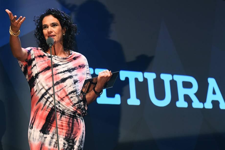 A professora de história Sylvia Guimarães recebe o Prêmio Veja-se na categoria 'Cultura'.A educadora dirige uma organização que distribui livros e incentiva a leitura em comunidades da Amazônia