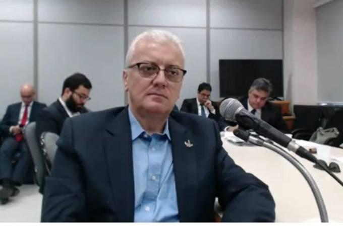 O ex-presidente da Petrobras e do Banco do Brasil, Aldemir Bendine durante depoimento ao juiz Sérgio Moro, em Curitiba