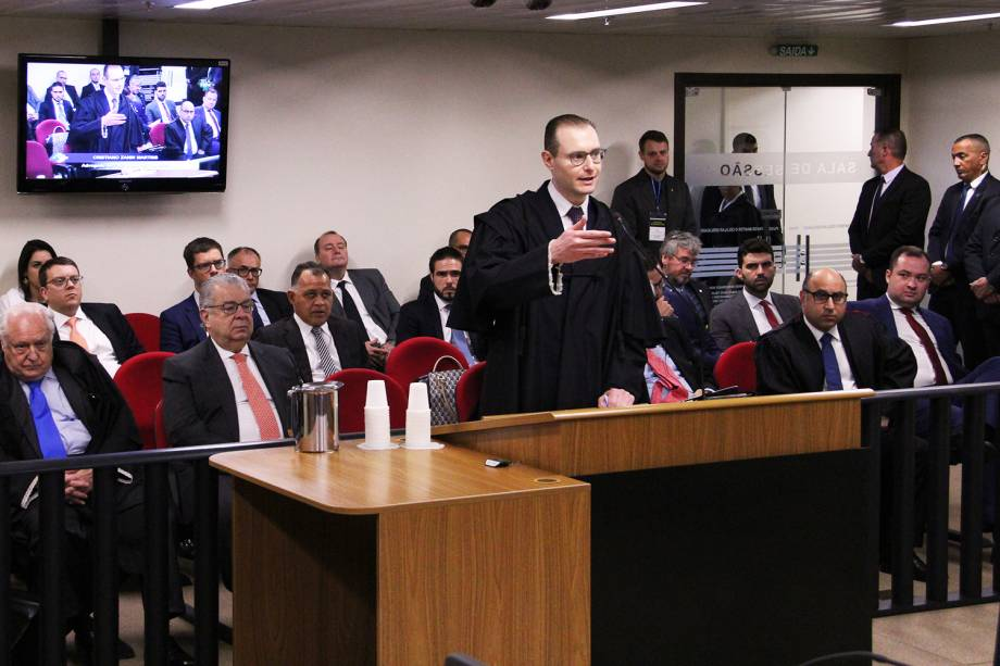 O advogado do ex-presidente Lula, Cristiano Zanin, durante a sessão de julgamento no TRF-4 (Tribunal Regional Federal da 4ª Região), em Porto Alegre (RS) - 24/01/2018