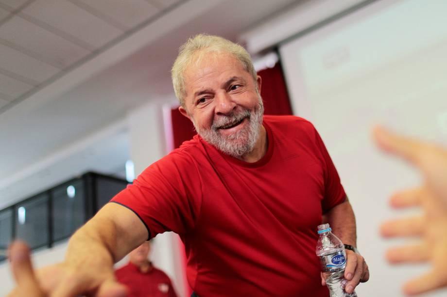 O ex-presidente Lula chega ao Sindicato dos Metalúrgicos, em São Bernardo do Campo (SP), para acompanhar o julgamento do TRF4 - 24/01/2018