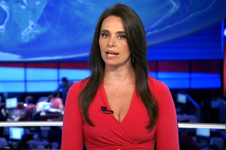 Carla Vilhena anuncia saída da Globo para se dedicar a site   VEJA