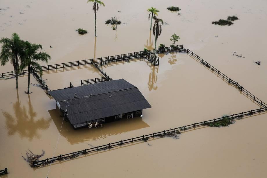 Imagem aérea do bairro Ratones, em Florianópolis - Chuva causa estragos em Florianópolis e outras 18 cidades catarinenses informou a Defesa Civil estadual  -  11/01/2018