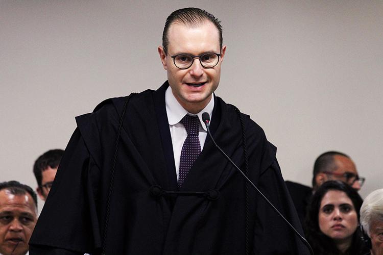 O advogado do ex-presidente Lula, Cristiano Zanin, durante a sessão de julgamento do ex-presidente Lula no TRF4 (Tribunal Regional Federal da 4ª Região), em Porto Alegre (RS) - 24/01/2018