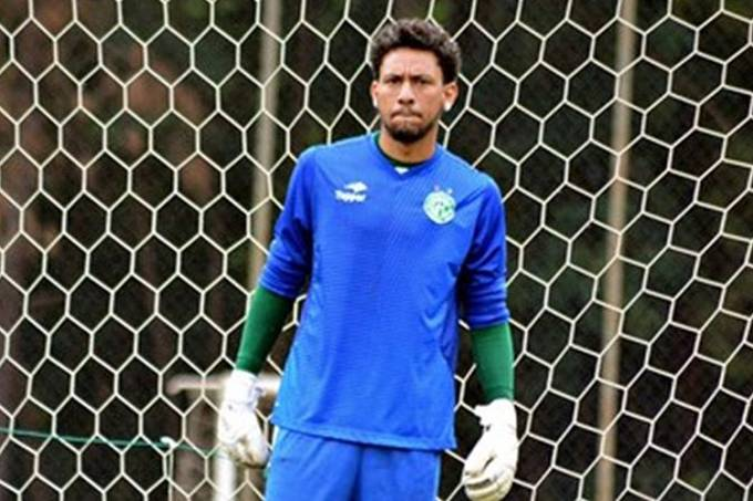 O goleiro do Guarani, Wallace Ribeiro Barato