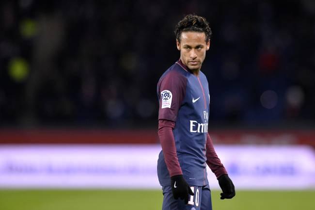 Neymar durante vitória do PSG sobre o Dijon