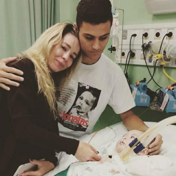 Danielle Winits e Renato Openkoski, pai do bebê Jonatas
