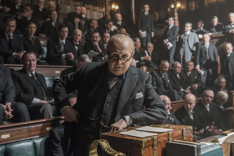 Gary Oldman como Winston Churchill em 'O Destino de uma Nação'