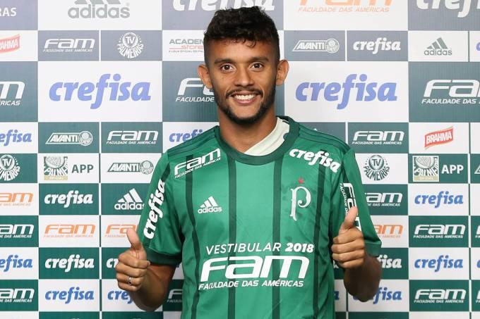 Gustavo Scarpa é apresentado no Palmeiras