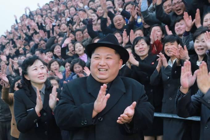 Kim Jong Un visita universidade