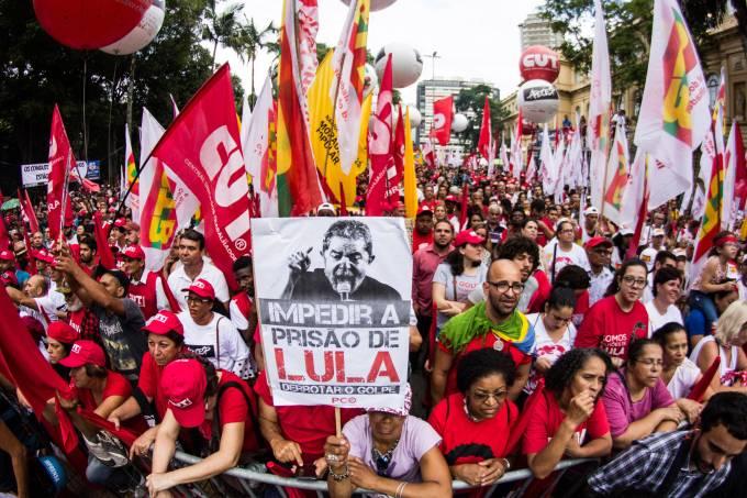 Ato pró-Lula na Praça da República em São Paulo
