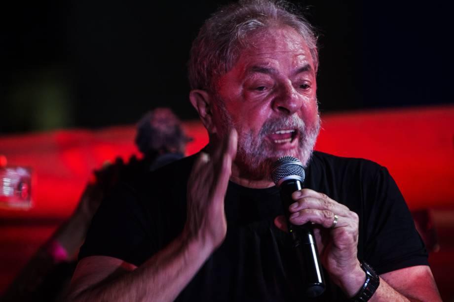 Lula discursa na Praça da República, no Centro de São Paulo, em 24 de janeiro.