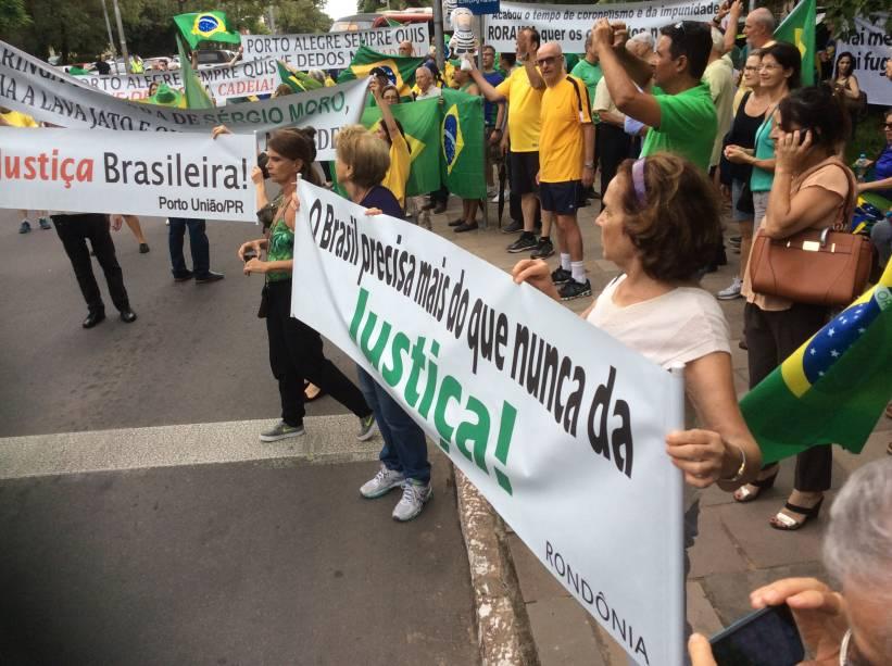 Protesto contra Lula realizado no parque Moinhos de Vento, em Porto Alegre