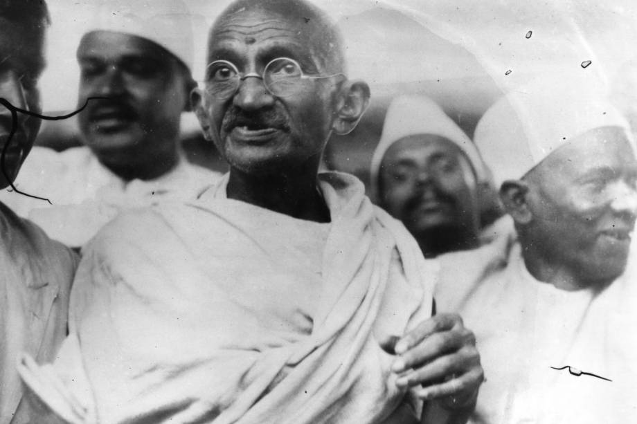 Há 70 anos morria Mahatma Gandhi, o pai dos protestos pacíficos | VEJA