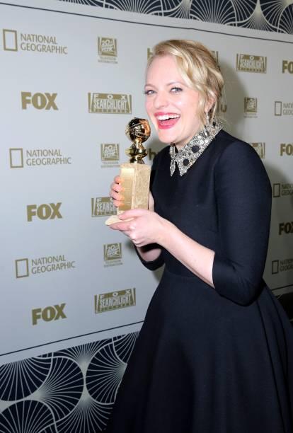 Elisabeth Moss, vencedora do prêmio de melhor atriz em uma série de televisão dramática pela atuação em 'The Handmaid's Tale' - 07/01/2018