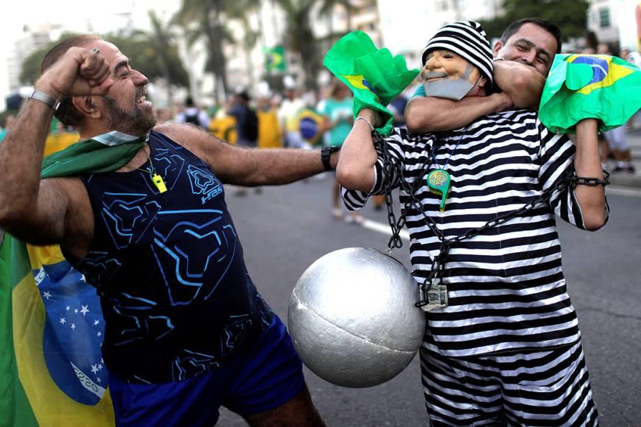 Manifestantes protestam contra o ex-presidente Lula, no Rio de Janeiro - 23/01/2018