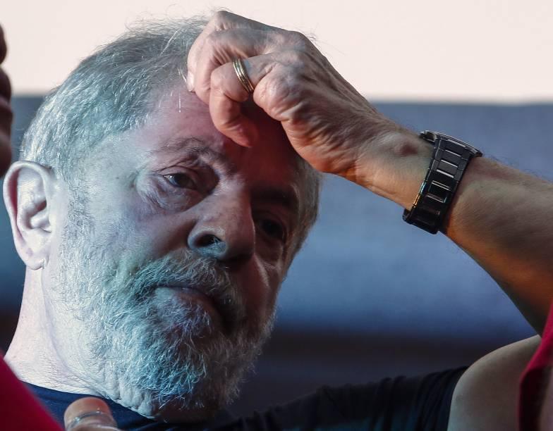 O ex-presidente Lula durante ato no centro de São Paulo, após ser condenado pelo TRF4