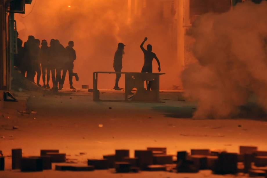 Protestos terminam com mais de 200 detidos na Tunísia - 10/01/2018