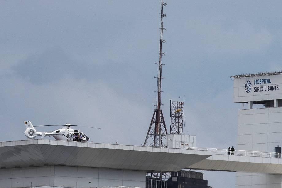 Michel Temer chega no Hospital Sírio Libanês de helicóptero, na região central de São Paulo - 11/01/2018