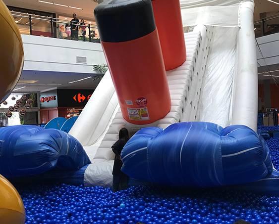 Brinquedo Inflável instalado em shopping na Zona Norte de São Paulo