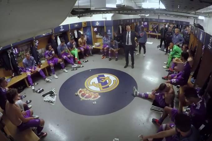 Zidane e os jogadores do Real na final da Liga dos Campeões