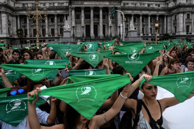 Argentinas protestam em favor do aborto