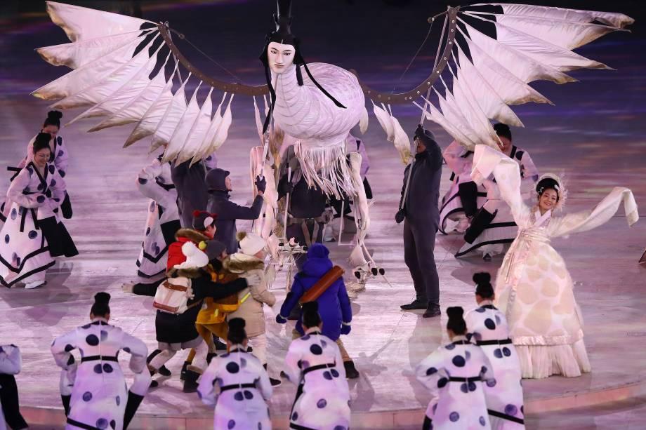 Artistas realizam performance durante a abertura dos Jogos Olímpicos de Inverno de Pyeongchang, na Coreia do Sul - 09/02/2018