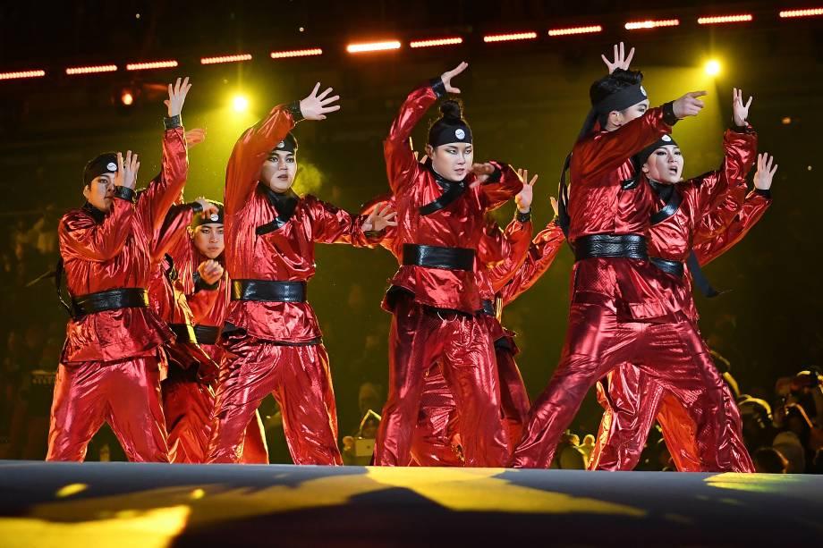 Dançarinos se apresentam na abertura da Olimpíada de Inverno em Pyeongchang, Coreia do Sul - 09/02/2018