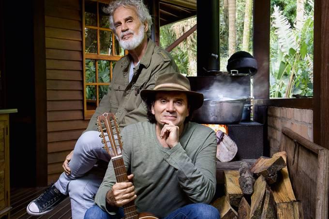 Nenhum vento derruba – Renato Teixeira e Almir Sater, na casa deste, na Serra da Cantareira: música com raízes profundas, como as da figueira
