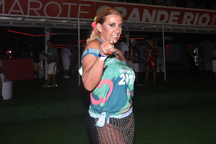 Rita Cadillac posa para foto em camarote no Sambódromo da Marquês de Sapucaí, durante a primeira noite de desfiles das escolas de samba do Grupo Especial - 11/02/2018