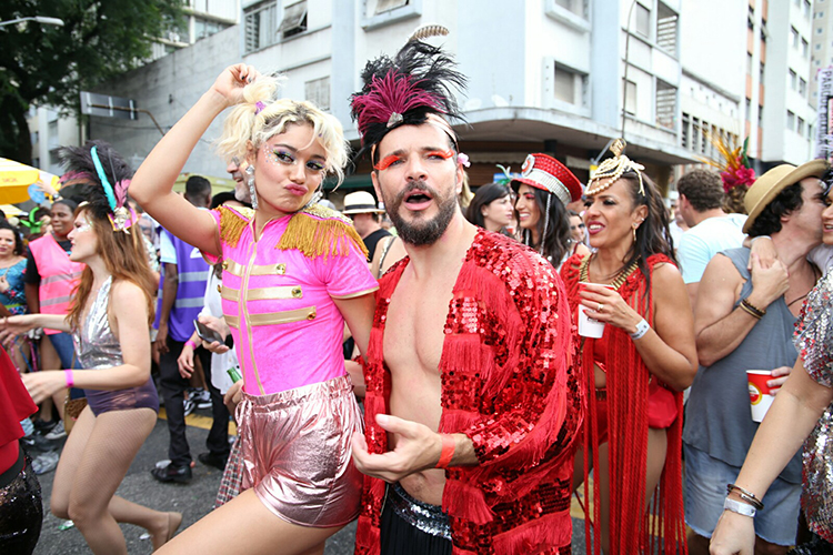 Bruno Gagliasso participa do bloco Acadêmicos do Baixo Augusta, em São Paulo (SP), durante o pré-Carnaval paulistano - 04/02/2018