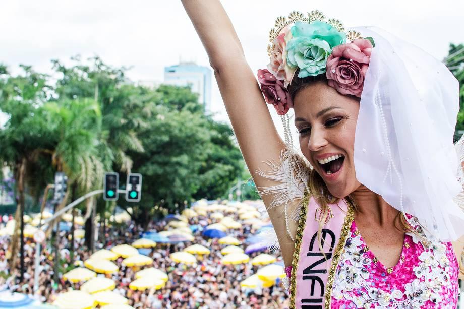 Ellen Jabour, musa do Bloco Casa Comigo, durante desfile na Avenida Brigadeiro Faria Lima, zona oeste da capital paulista - 03/02/2018
