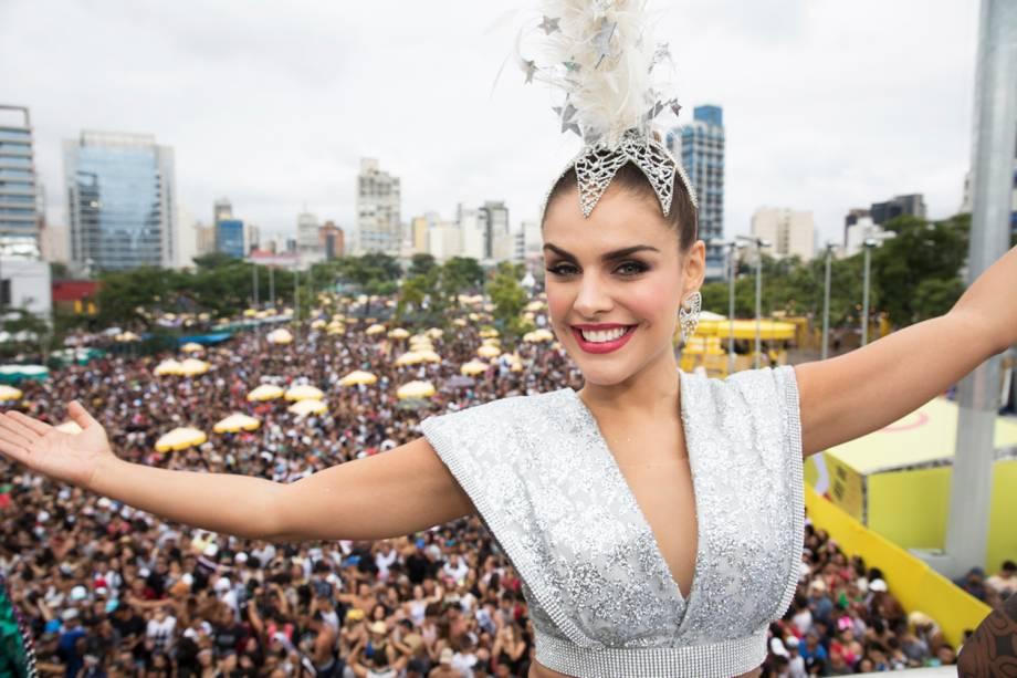 A atriz Paloma Bernardi participa do Bloco da Favorita, na região do Largo da Batata, zona oeste de São Paulo (SP) - 03/02/2018
