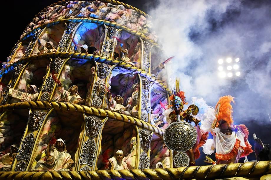 A escola de samba X-9 Paulistana é a primeira a desfilar na segunda noite do Carnaval paulistano,  no Sambódromo do Anhembi - 10/02/2018