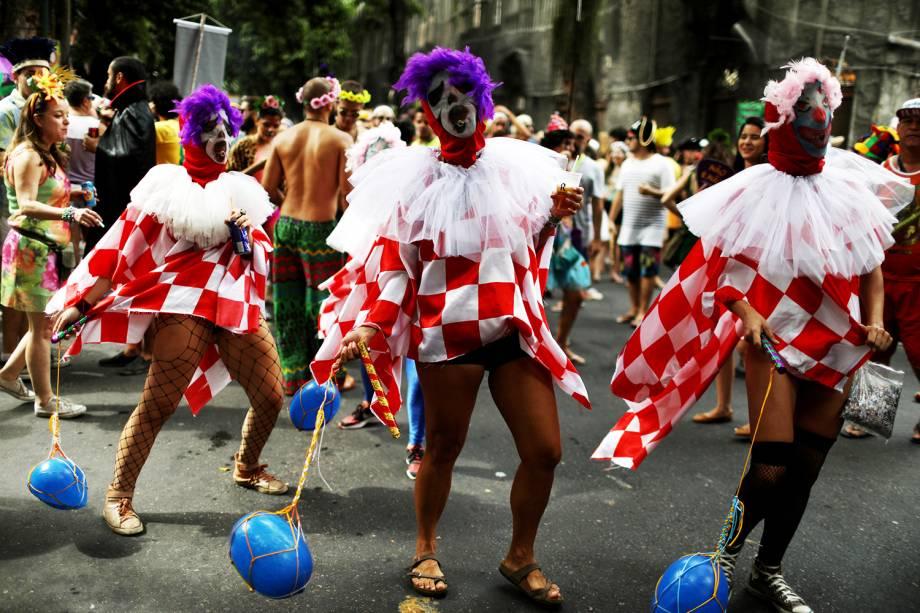 Bloco Cordão do Boitatá anima foliões no Rio de Janeiro (RJ), durante o pré-Carnaval carioca - 04/02/2018