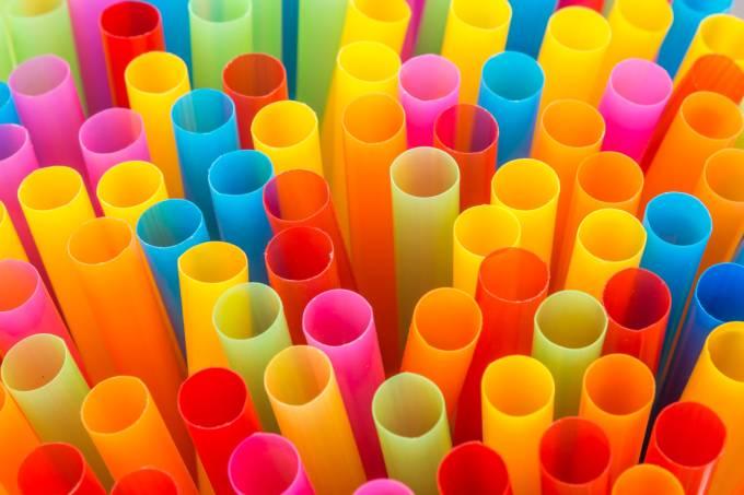 Canudos de plástico: 500 anos para se decompor na natureza