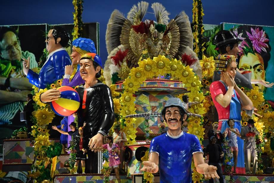 Carro alegórico da escola de samba Unidos de Vila Maria durante o desfile de carnaval em São Paulo, no Sambódromo do Anhembi - 11/02/2018