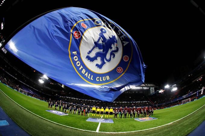 Início da partida entre Chelsea e Barcelona, pela Liga dos Campeões, em Londres