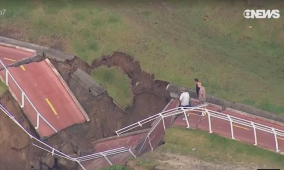 Trecho de São Conrado da ciclovia Tim Maia desaba após temporais