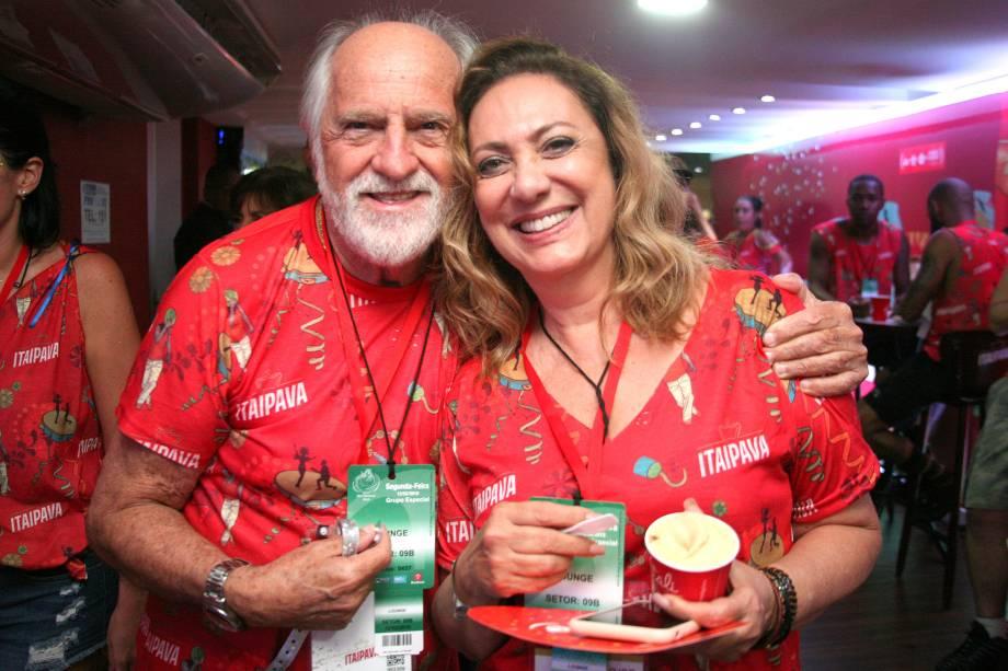 Eliane Giardini e Ary Fontoura curtem o carnaval carioca do Camarote Itaipava, no sambódromo da Marques de Sapucaí - 12/02/2018