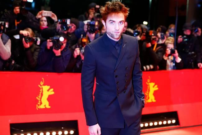 O ator Robert Pattinson no tapete vermelho do Festival de Cinema de Berlim, na Alemanha - 16/02/2018