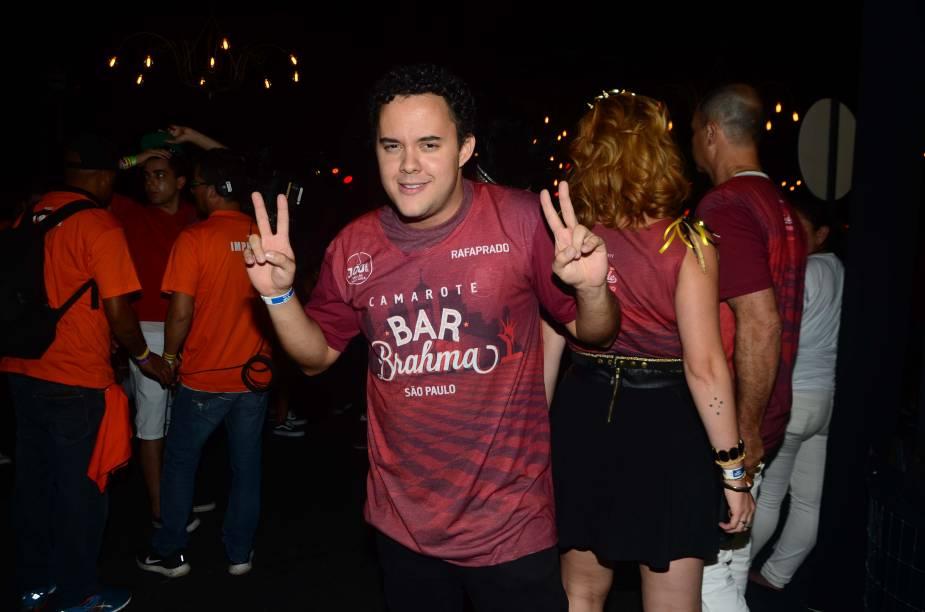 O humorista Gui Santana acompanha os desfiles das escolas de samba no Sambódromo do Anhembi, em São Paulo (SP) - 10/02/2018