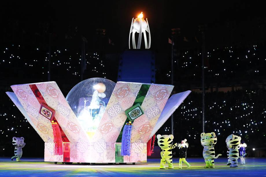 Mascotes dos próximos Jogos Olímpicos de Inverno, que serão realizados em Pequim no ano de 2022, são vistos durante a cerimônia de encerramento em Pyeongchang, na Coreia do Sul - 25/02/2018