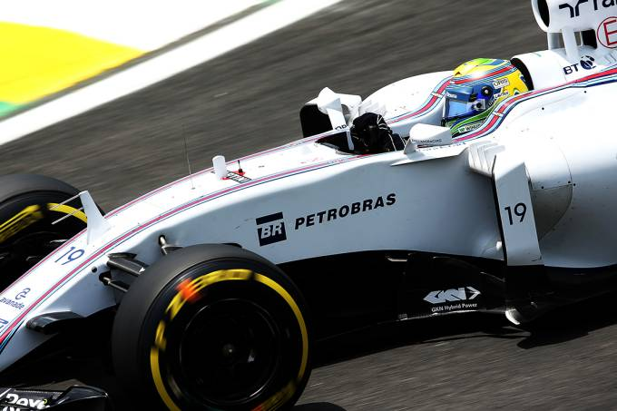 Felipe Massa pilota o carro da Williams, em 2014