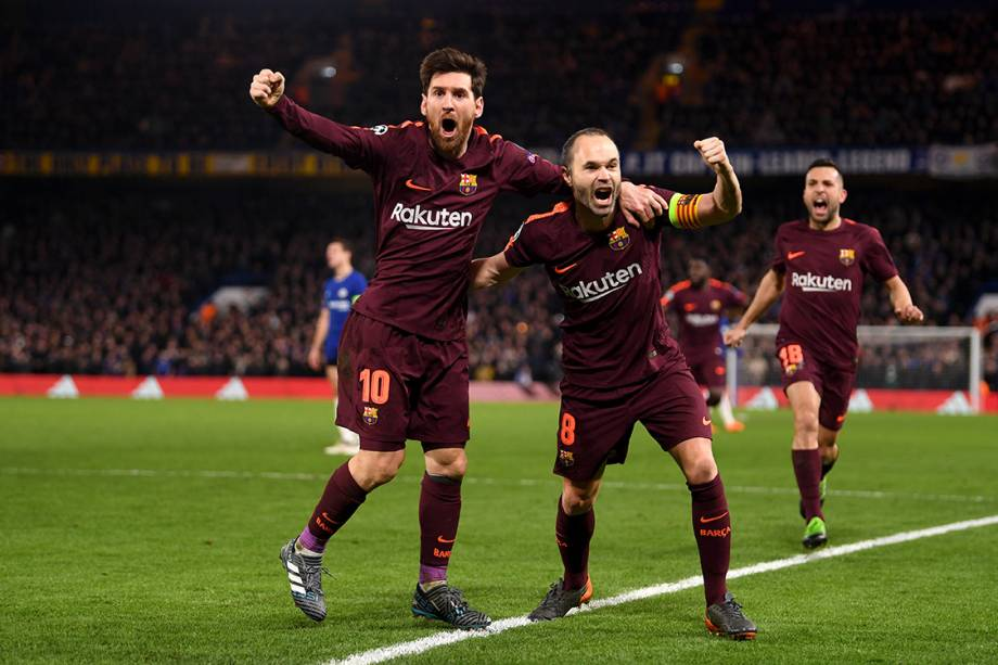 Messi e Iniesta comemoram gol contra o Chelsea