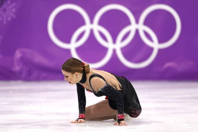 Patinadora brasileira Isadora Williams cai durantre Olimpíada de Inverno na Coreia do Sul